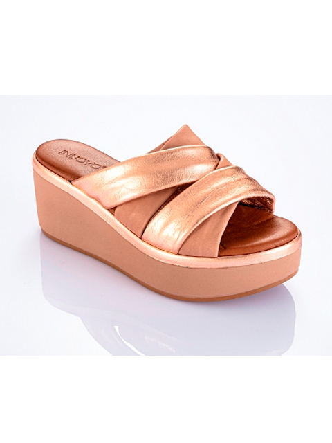 newest b9e8e a1db4 INUOVO WEDGE SANDAL PUTTY & ROSE GOLD