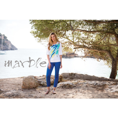 Marble cropped jeans in a cobalt blue colour perfect for your summer holidays. They have a classic 5 pocket style with a zip opening and studs. Made from a fantastic stretch cotton which is flattering and comfortable to wear. Available at colmershill.com