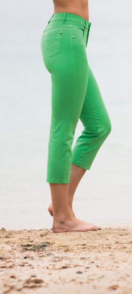 Marble cropped jeans in a green colour perfect for your summer holidays. They have a classic 5 pocket style with a zip opening and studs. Made from a fantastic stretch cotton which is flattering and comfortable to wear. Available at colmershill.com