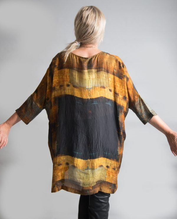 Yavi-Raga Aruni silk tunic is hand printed using traditional techniques and is available on colmershill.com