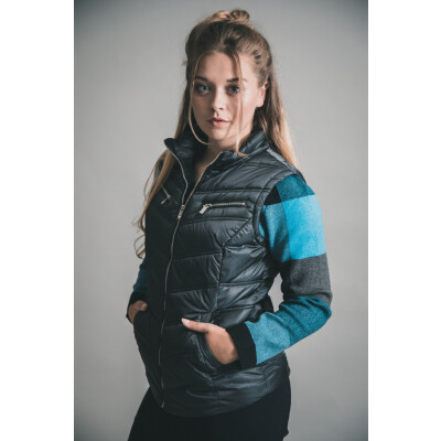 Marble Quilted Jacket & Gilet 5470 available in pink and navy on colmershill.com