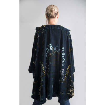 Yavi Silk Velvet Cape Midnight Blue on colmershill.com