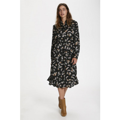 Soaked in Luxury Sesili Floral Shirt Dress is very feminine and is available on colmershill.com
